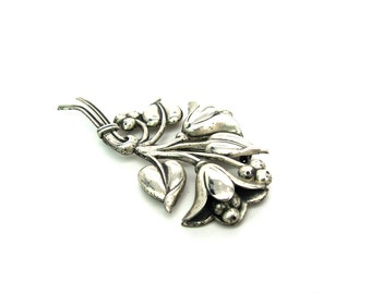 Nordic Style Brooch. Retro Jewelry. Silver Flower Pin. Sterling Craft by Coro. Vintage 1940s, Sterling Silver Brooch.