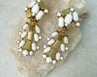 Vintage Hobe Dangle Earrings White Milk Glass Gold Tone