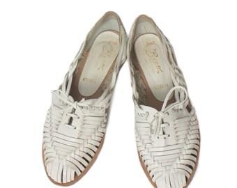 8.5 M | Women's White Leather Huaraches Oxfords