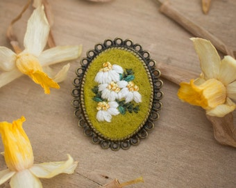 Hand Embroidered Flower Brooch - Floral Brooch - Antique Bronze Brooch - Brooch Pin - Flower Brooch - Hand Embroidery