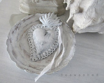WHITE SACRED HEART Jeanne D Arc French Nordic Country Shabby Chic Seaside Living