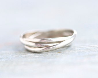 Interlocking Ring Bands - 3 Seterling Silver Overlapping Bands - Size 6.5