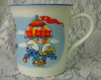Wallace Berrie SMURF Cup or Mug - Dated 1982