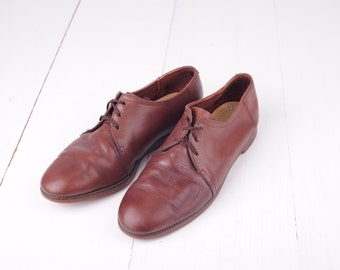 Vintage Bass Brown Leather Oxfords, Mens 8 narrow, Womens 10 / ITEM286