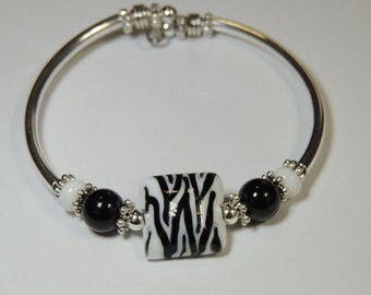 Handmade Silver Tube Unique NO CLASP  Lamp Glass Zebra Inspired Bracelet