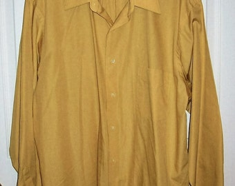 """Vintage 1970s Men's Mustard Yellow Shirt by Van Heusen Large 16 1/2"""" Neck Only 8 USD"""