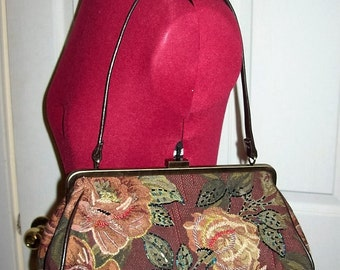 Vintage Ladies Beaded Tapestry Handbag Purse Only 14 USD