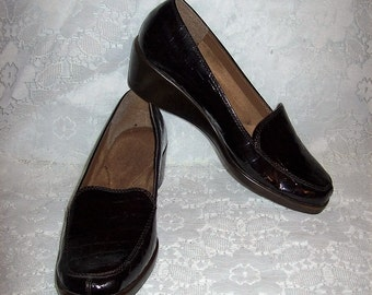 Vintage Ladies Black Croc Slip Ons Loafers by Aerosoles Size 9 Only 7 USD