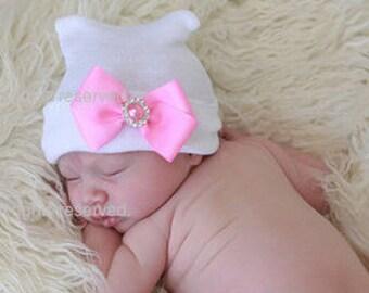 Newborn Baby Hat - Pink Bow on White Hat (newborn hospital hat, newborn girl hat, newborn beanie, newborn hat with bow)
