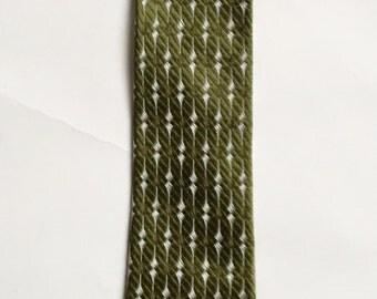 Vintage 1940s 50s Superba Cravats Green Skinny Silk Necktie Tie