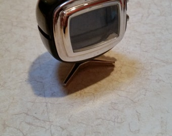 Tokyo Bay Mini Clock Retro Black & Chrome T.V.  100% Working Retired
