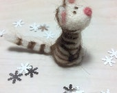 Felt Miniature - Felted Miniature kitten - Felted kitten - felted miniature - kitten miniature - tiny kitten - felted brown and white kitten