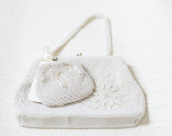 White Beaded Bag and Coin Purse. Matching Set. // Vintage 1950's. Hand CraftedJAPAN. // Richere Bag by Walborg