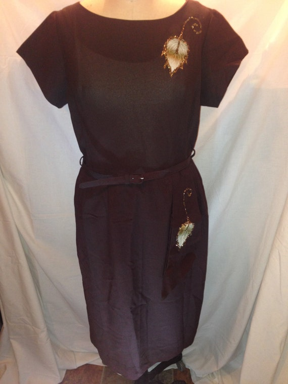 Vintage Dark Brown Belted Dress with Leaves Size 18 1/2 d18