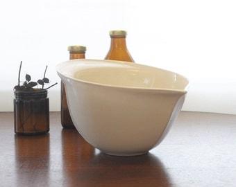Large Ceramic Mixing Bowl in Cream
