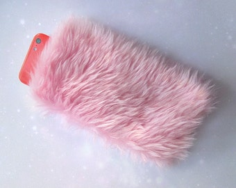 Fur Phone Case, Kawaii iPhone Case, Pink Fur iPhone 5 Case, Furry iPhone Case, Furry Phone Case Pouch, Fluffy iPhone 5s Case, Pink Faux Fur