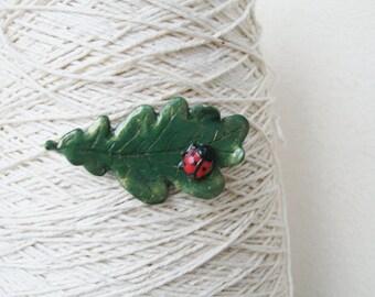 Green Brooch, Oak leaf,  Ladybird beetle Pin, Autumn leaf, Fall jewelry, Botanical brooch, Woodland jewelry, Handmade Polymer clay Brooch