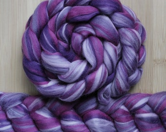"""Merino ' WOOLY-WOW Roving in """"Provenza"""" colorway - Purple, lilac, lavender, violet blend - Spinning Felting braid - Fiber arts"""