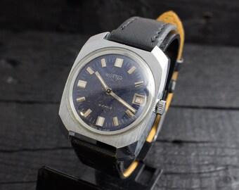Vintage Wostok Vostok Boctok mens watch with blue dial, date window, russian watch, soviet mechanical watch, vintage russian watch cccp ussr