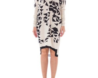 1990s Minimalist Black And White Cashmere Geometric Print Oversized Sweaterdress Size: