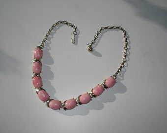 Vintage Pink Necklace - Retro Rose Pearl - Retro Gold Tone Costume Jewelry 1960s
