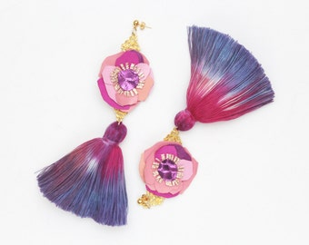 ANEMONE / Natural leather and dyed cotton tassels statement earrings - Ready to Ship