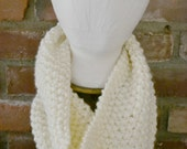 White Knit Cowl, White Knit Scarf, White Chunky Knit Cowl, White Chunky Knit Scarf, Unisex Cowl, Male Cowl, Female Cowl, Cool Weather