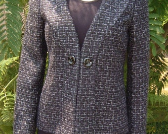 CLASSIQUES ENTIER Atelier Stunning Tweed Princess Cut Jacket Fully Lined with Front Clip and Buttons, Shawl Collar and Back Vent Size Small
