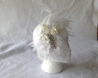 Bridal Feather Headpiece, Bridal Hair Accessories, Feather Bridal Hair Comb, Bridal Feather Fascinator, 1920s Wedding Fascinator, Fascinator