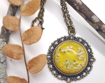 Yellow necklace, real flower jewelry, nature jewelry, mustard yellow, pressed flower resin jewelry for nature lovers, real flower pendant