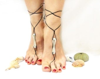 Black barefoot sandals, Silvery metal, silvery metal beaded, barefoot sandal, chamois leather, Anklet, gothic anklet Foot jewelry Toe Anklet