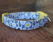 Daisy Dog Collar - Grey with Yellow and Grey Daisies