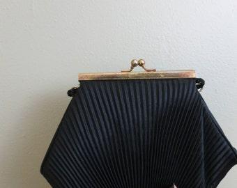 Women's Black Vintage 80s Seashell Clutch / Crossbody Bag