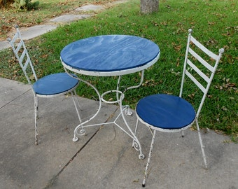 Vintage Wrought Iron Bistro Table Shabby Chic Chippy Paint Metal Table and 2 Chairs Breakfast Kitchen Small Space