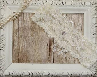 Light Ivory Keepsake Lace Wedding Garter, Ivory Lace Garter, Toss Garter , Keepsake Garter, Bridesmaid Gift, Prom, Wedding Gift