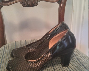 Vintage 1940s 1950s black mesh peep toe pumps, Air Step ,7 to 7.5