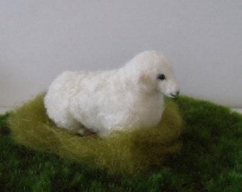 Felted Sheep (Laying down)
