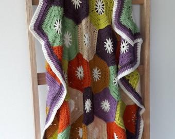 Crochet baby blanket, vintage crochet blanket, crochet hexagon blanket, lap blanket, newborn present, crochet blanket, baby shower