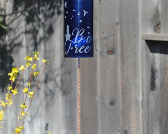 Be Free Cat Wine Bottle Windchime - Garden Art Rememberance Special Day Outdoor Upcycle Personalized Etching