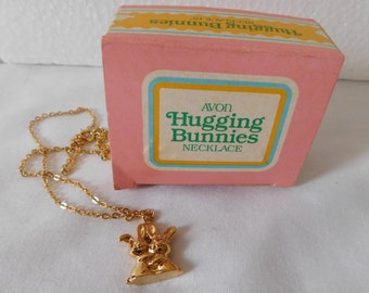 Vintage 1987 Avon Childrens Necklace Hugging Bunnies new in box