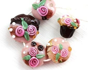 Sweet Roses handmade Lampwork glass beads, Pink roses, cupcake bead, SRA