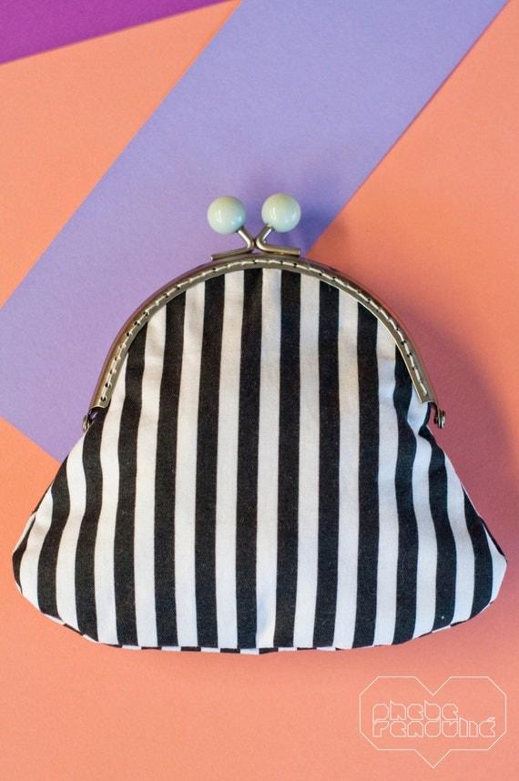 Vintage-style Purse: Black and White Stripes