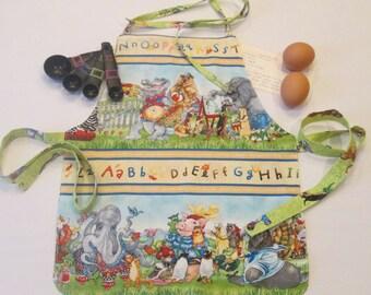 Alphabet Apron | Animals Apron | Gender Neutral Apron | School Apron | Art Apron | Kitchen Helper Apron | Handmade Apron | Reversible Apron