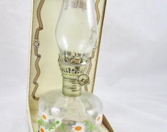 """9"""" Oil Hurricane Lamp Daisy Design New in Box NIB Unused Made in USA"""