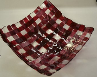 Woven Pink Wine & Clear Glass Bowl