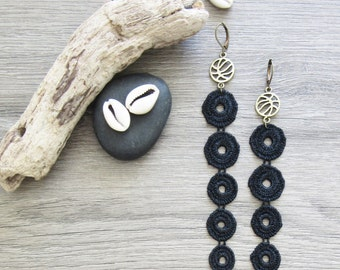 """Earrings """"Quicksand"""" black lace and brass"""