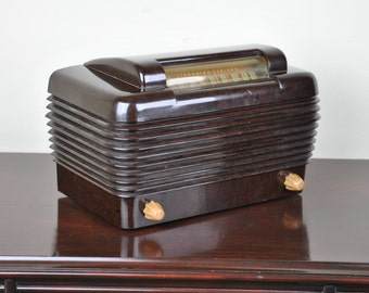 Antique 1948 Stromberg-Carlson Radio Model 1101 Plays And Looks Great.   FREE SHIPPING!