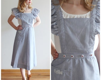 SALE * Air Mail Pinafore * 1940s cotton ruffled pinafore * Size 2