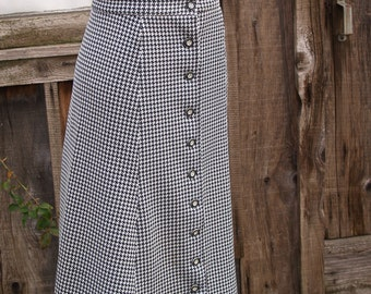 Vintage Black and White Houndstooth Polyester Maxi Skirt Small