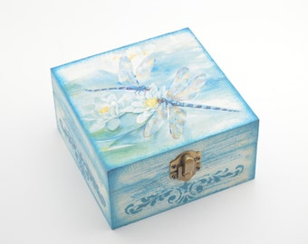 Wooden jewelry box, decoupage box, jewelry box, shabby chic box, dragonfly box, home decoration, art box, handmade decoupage decoration
